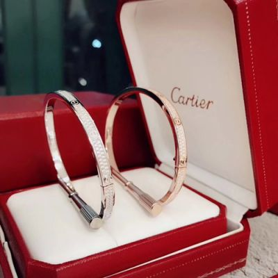 Most Luxury Cartier Love Narrow Design Paved Diamonds Bangle Popular Jewellery For Ladies Silver/ Rose Gold
