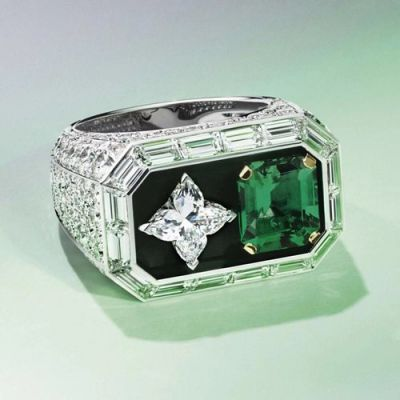 Cartier Paved Diamonds Four Leaf Clover Crystal Silver Emerald Gemstone Ring For Sale Luxury Jewellery Replica