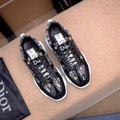 Best Quality Dior Cow Leather Oblique Logo Pattern Grey Suede Leather Male Lace-up Patchwprk Sneakers Replica