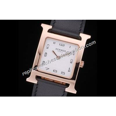 Hermes Heure H Lady Ref W036784WW00 Rose Gold 26mm Black Leather Mini Watch