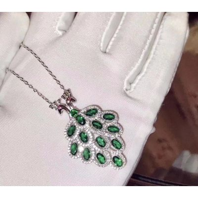 Van Cleef & Arpels Double Heads Peacock Pendant Necklace Green Gems Crystals Studded Party Style For Women