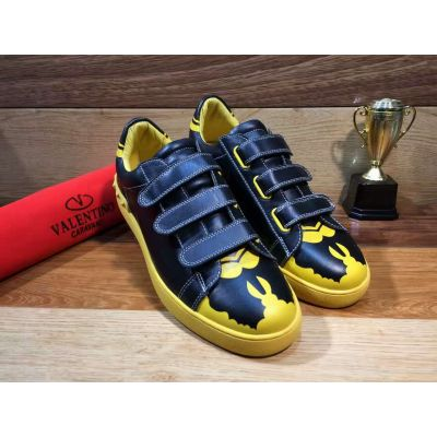 Celebrity Style Valentino Spider Man Pattern Black-Yellow Bi-color Mens Velcro Strap Calfskin Leather Studs Sneakers